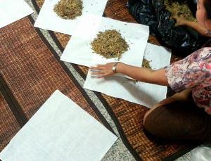 Making Thai Herbal Compress ball